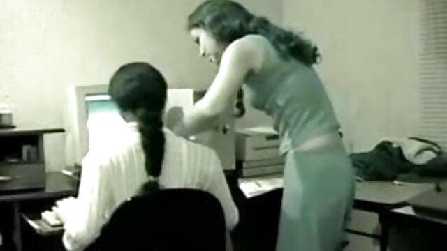 طالب علموں کے ساتھ فیلمسوپر ترکی سفید جرابیں آیا orgasm کے لئے